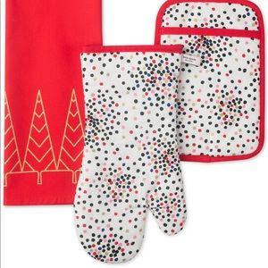 NWT Kate Spade Limited Edition Christmas Towel Set